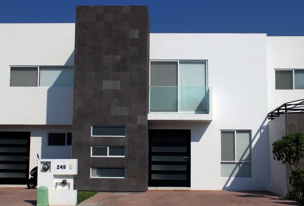 Menhir menhir es una empresa constructora en celaya con for Compro casa asiago